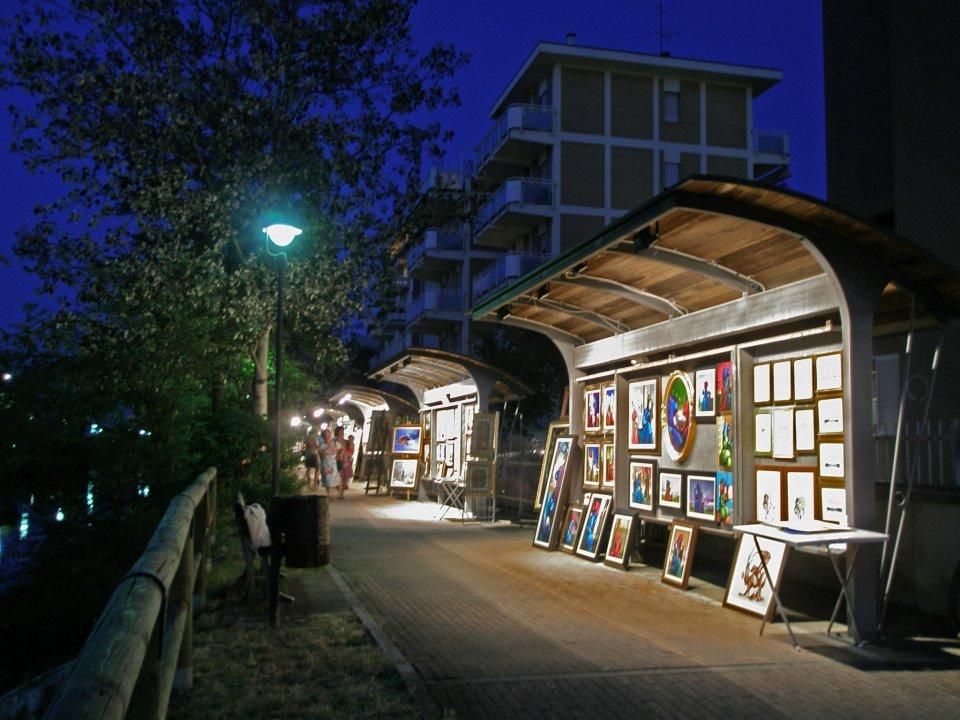 Il vialetto degli artisti di Milano Marittima