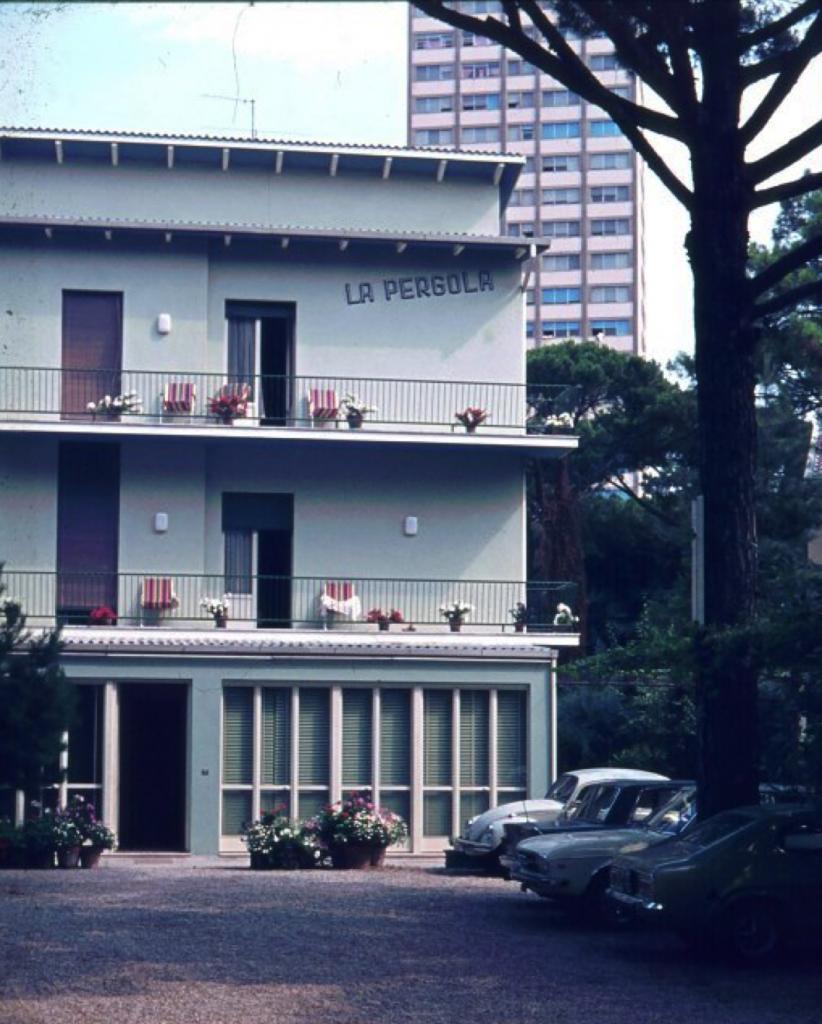 Hotel La Pergola – Viale Milano, Fam. Ricci (oggi appartamenti)